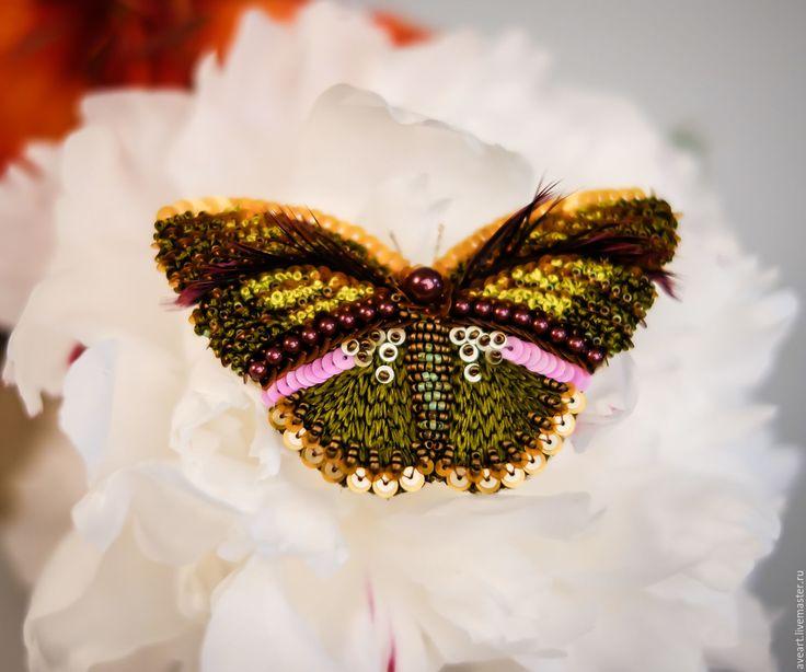 Купить Terra - бабочка, мотылек, эксклюзивная вышивка, брошь-бабочка, брошь-мотылек, вышитая бабочка