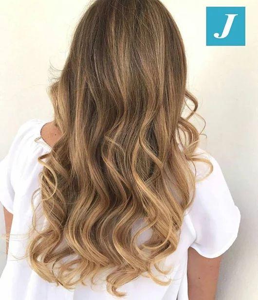Esiste un colore biondo che non risulti artefatto, che non renda schiava dell'effetto ricrescita? Si, il Degradé Joelle! #cdj #degradejoelle #tagliopuntearia #degradé #igers #musthave #hair #hairstyle #haircolour #longhair #ootd #hairfashion #madeinitaly #wellastudionyc #workhairstudiovittorio&tiziana #roma #eur