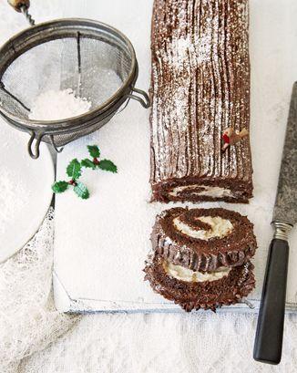 Yule log, icing, preparation, surface, cake knife.