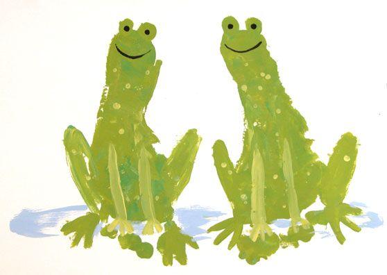Frog Footprints  #preschool #animalcraft #kidscraft