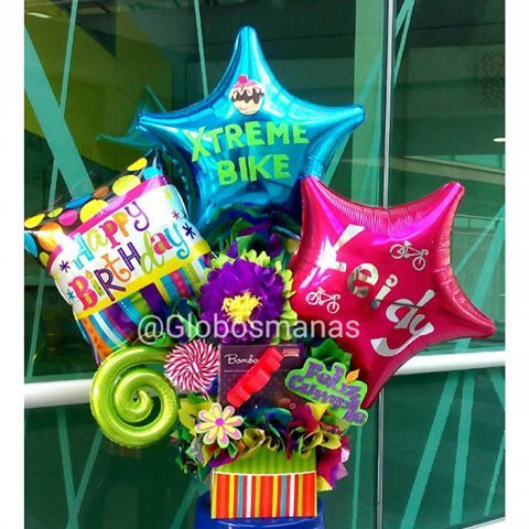 Felicidades a Leidy de @xtreme_bike 🎂🎈🎆 #arreglos  #arreglosconglobos #detalles  #regalo #original #gifts #cumpleaños  #felicidades #dulces #chucherias  #detalle  #numero  #números #globos  #balloons  #balloon #venezuela #venezolanosenelexterior #handmade  #hechoamano #hechoenvenezuela  #abanicos #rosetadepapel  #globos #floresdepapel #molinos #globosdenumeros  #chocolates #numeros #globospersonalizados