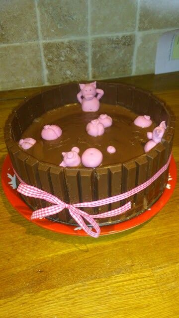 Pig in the mud cake