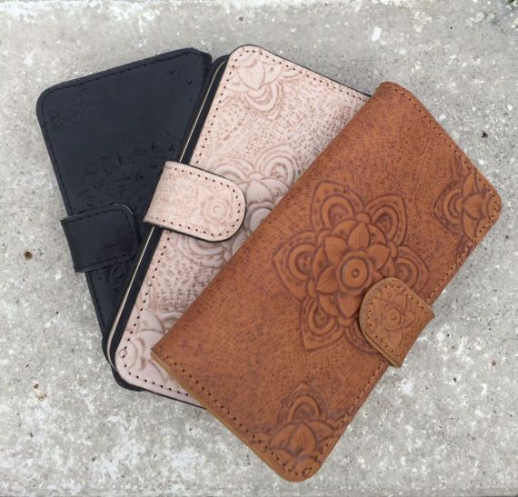 BellaDonna Women iPhone Cover / Hand tooled clutch / Boho