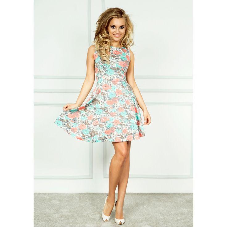 Rochie de zi, multicolora, scurta, cu model floral/culori pastelate , fara maneci, cu decolteu rotund, ideala pentru orice ocazie in sezonul #primavara #vara #prettymoda #modă