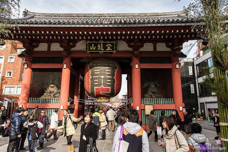 Tokyo Puerta Kaminarimon en Asakusa.