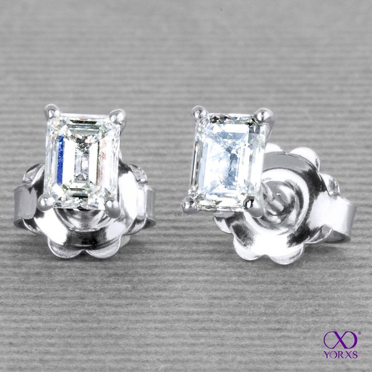 """Carici"" with diamonds in emerald cut- 0.51 ct each. #carici #ohrstecker #diamantohrringe #diamant #smaragd #form #schliff #yorxs"