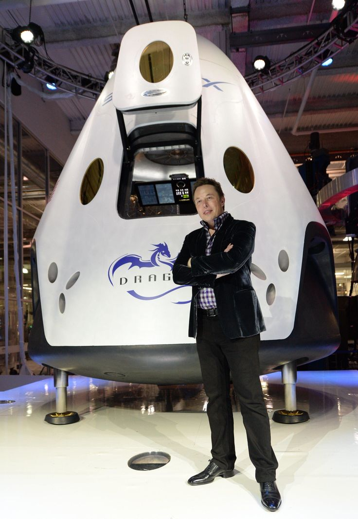 """SpaceX Unveils Dragon V2 Capsule for Astronauts 