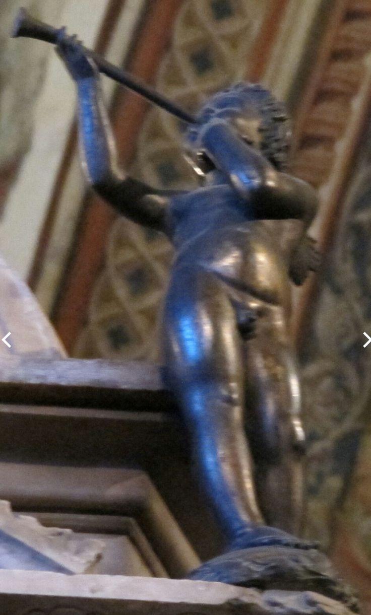Putto danzante dal Tabernacolo del Duomo di Siena.  1424