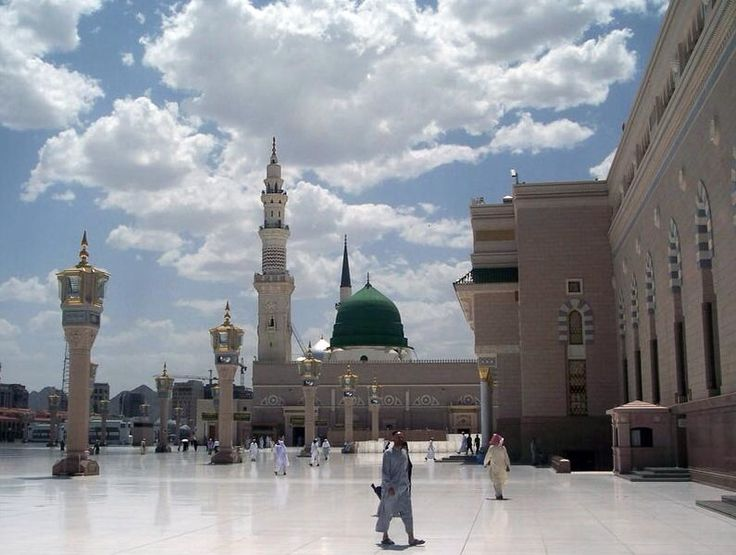 Muhammad's Tomb is Located under the Green Dome of Al-Masjid al-Nabaw?