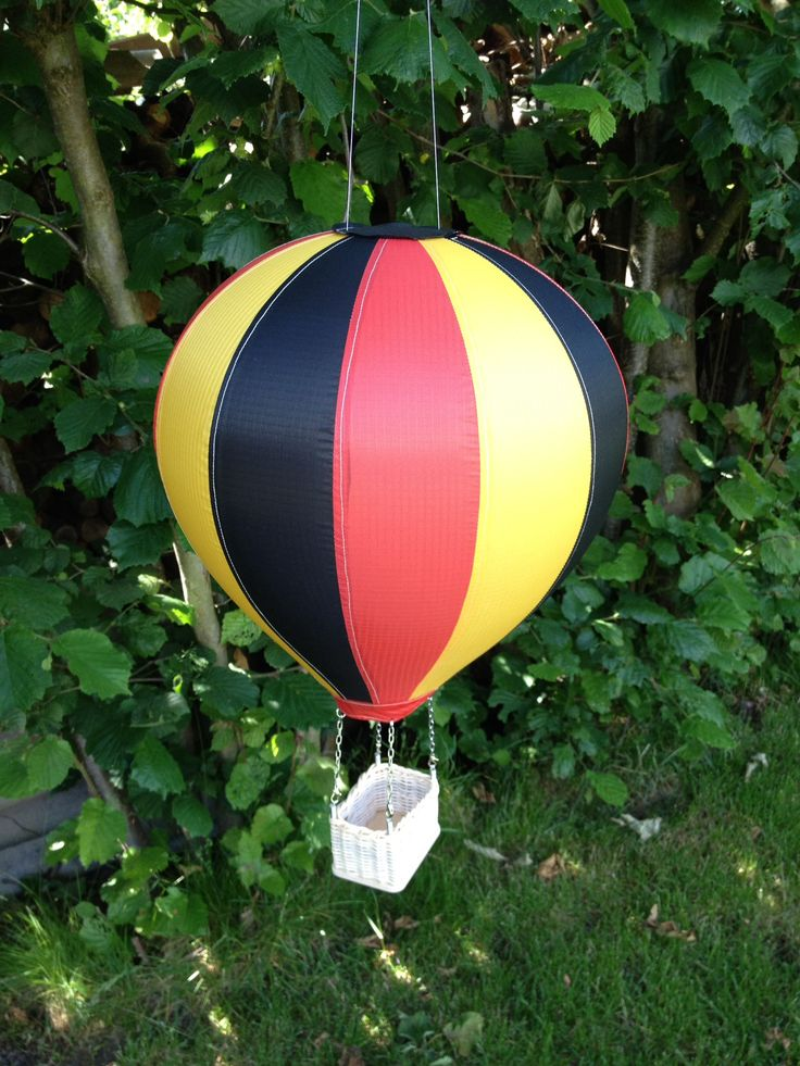 Modellballone selbst genäht Deutschland Fahne
