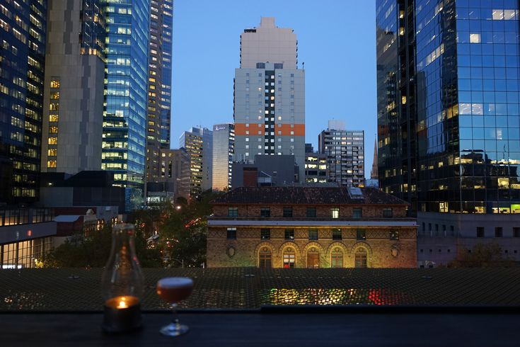 Bars with a view: top 10 places for a sundowner in Melbourne © Sofia Levin / Lonely Planet