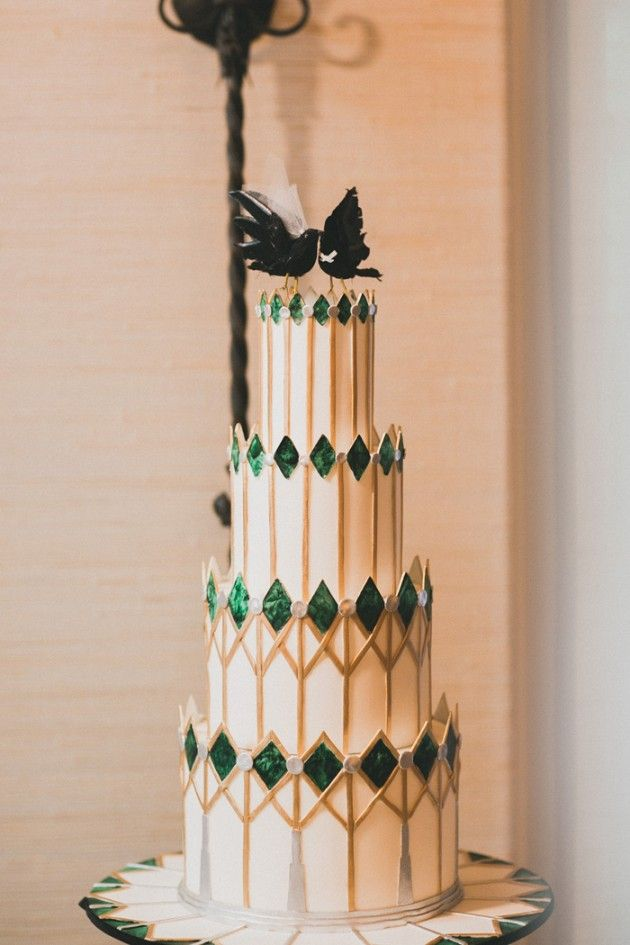 Cake: Hey There, Cupcake! - Nicole and Mike's Art Deco Wedding at Rancho Valencia Resort by Francine Ribeau Events (Planning and Design) + Studio Castillero (Photography) - via Grey likes weddings