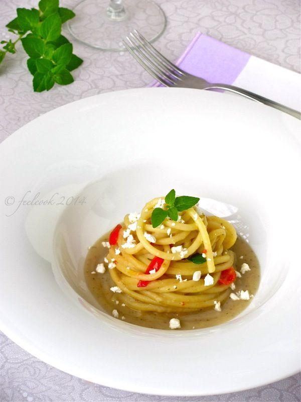 FeelCook cucina per passione: Spaghettoni con crema di melanzane, pomodorini e feta