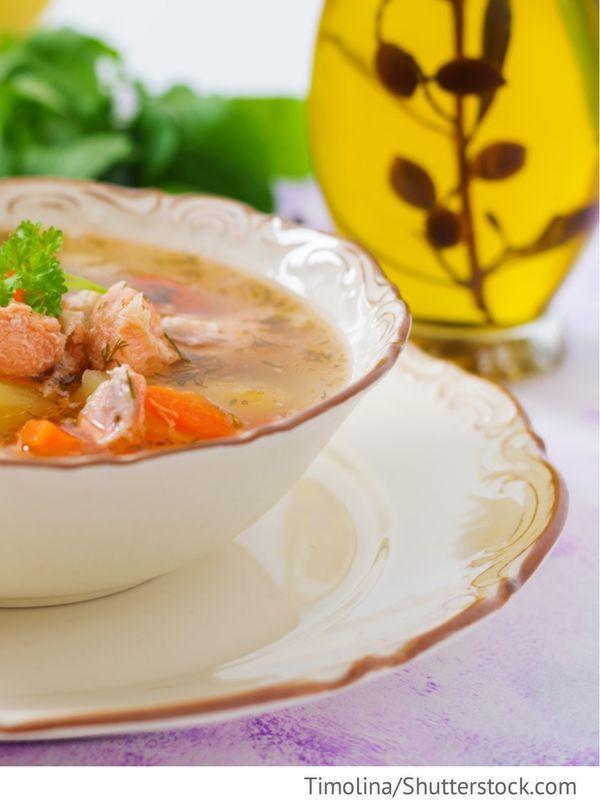 Fischsuppe ukrainisch Ucha po ukrainski - Уха по-украински - Russische Rezepte