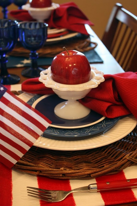 patriotic <3: Tables Sets, Tables Scapes, Red White Blue, 4Th Of July, July 4Th, White Dishes, Milk Glasses, Americana Tables, Beautiful Tablescapes