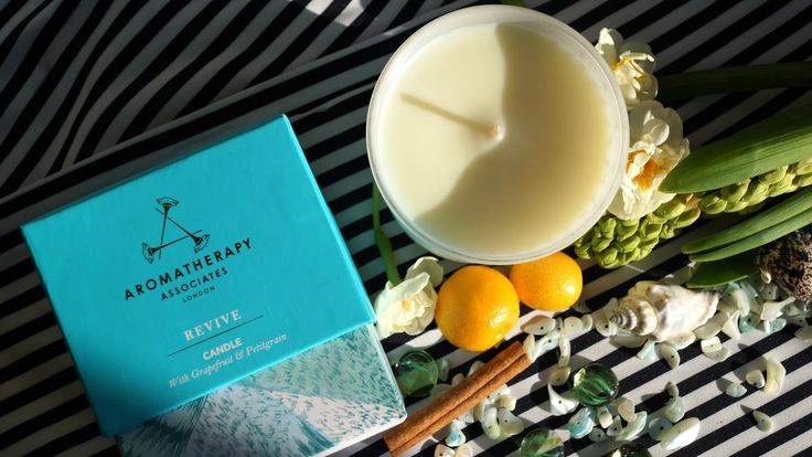 Aromatherapy Associates Revive Candle with Grapefruit and Petitgrain review/ отзыв