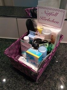 DIY Wedding – Tip # 1: Emergency baskets for the wedding guests
