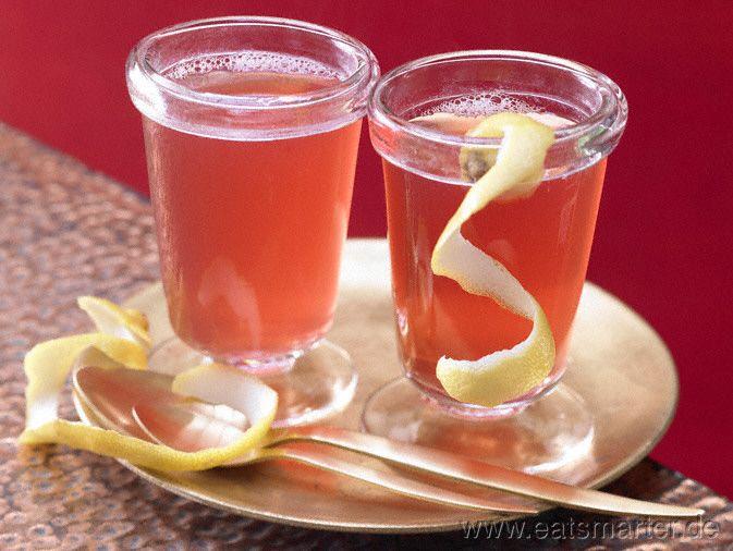 Süffig und aromatisch - da vermisst niemand Alkohol: Cranberry-Gewürz-Punsch - smarter - mit Nelken und Ingwer. Kalorien: 42 Kcal | Zeit: 15 min. #punch