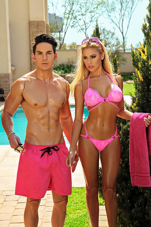 real life Barbie and Ken!! tripppppyyy
