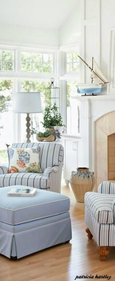 Love the light blue and white. I tend toward navy and this is so clean and bright.