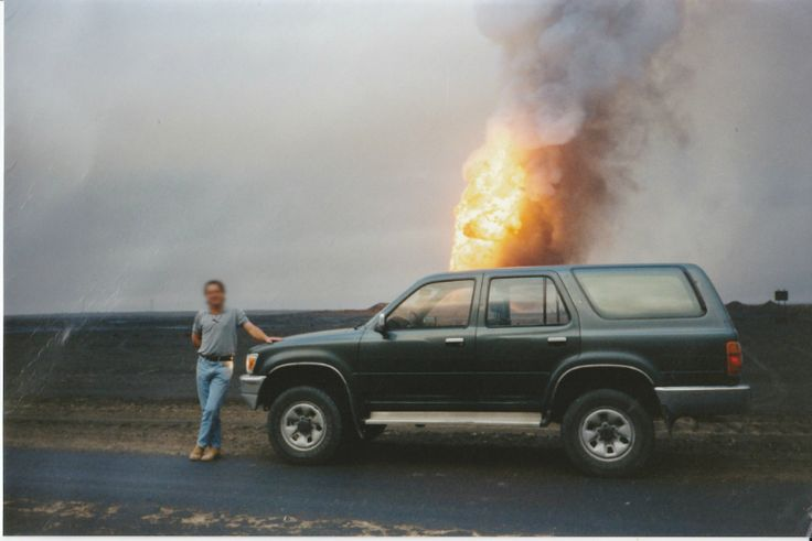Memries: Fighting Fires in a Burning Kuwaiti Oil Field   VICE United States