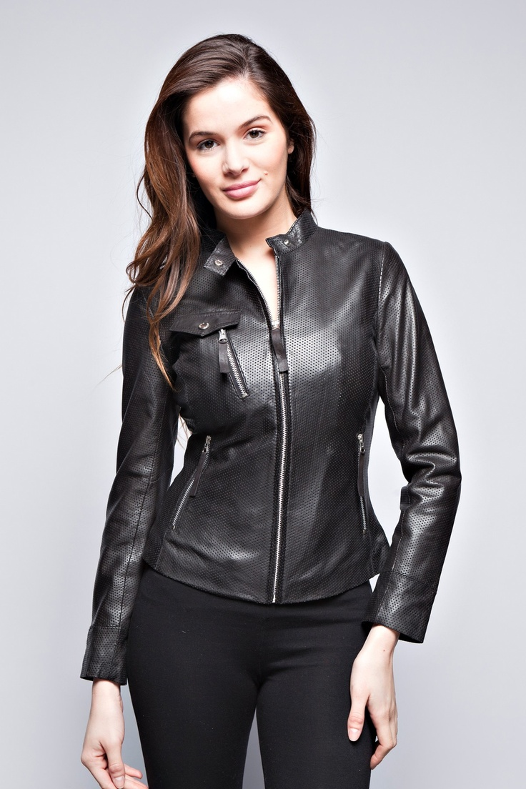 LEATHER JACKETS CHRISTINA GIORGIO!  Offering a range of fashionable looks, Women's Leather Jackets Giorgio have been on the  fashion scene for years. We are a French company that enjoys a high reputation among customers.Our jackets can be easily combined with almost every type of clothing to create a modern look soundly anchored by a classic.WE OFFER LEATHER JACKETS CHRISTINA GIORGIO IN ONE COLOR: BLACK. YOU CAN FIND THIS LEATHER JACKET CHRISTINA GIORGIO ON OUR…
