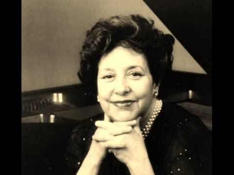 Alicia de Larrocha plays Mozart - Variations on a Theme by Gluck, K.455 ...