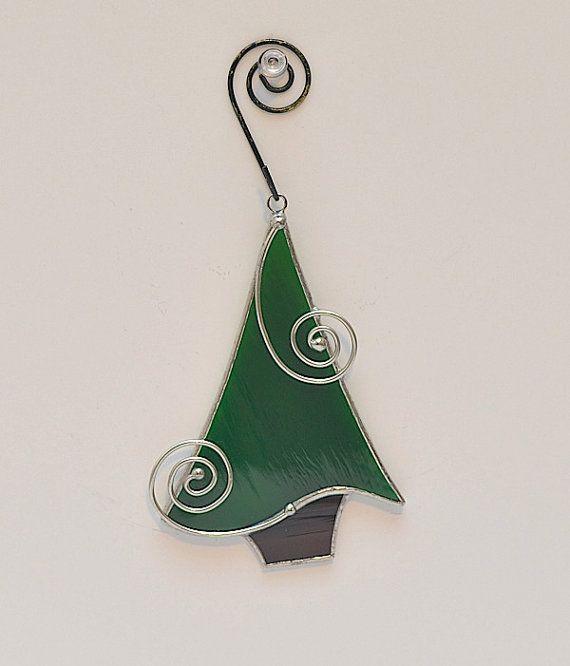 ARBRE DE NOËL ORNEMENT Noël arrive!!! Un arbre de Noël est lune des premières choses sur votre liste à mettre en place dans votre maison. Cet arbre de Noël est déjà finie et prête à être affichée. Que ce soit dans votre fenêtre, sur vos cadeaux de Noël arbre ou donné comme un cadeau, cet ornement magnifique est le complément idéal à votre collection. Mélanger et assortir dautres ornements de vacances disponibles dans ma boutique pour créer un jeu vraiment beau de joie des fêtes. Fabriqués à…