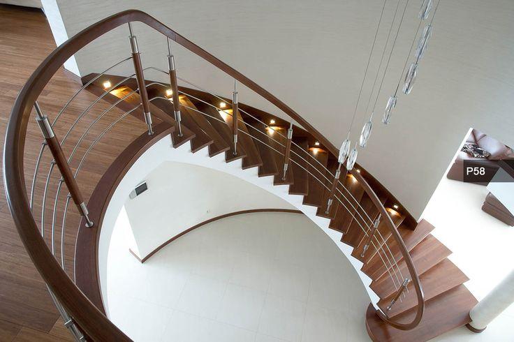 P193 Schody wspornikowe | Drewno: dąb bejcowany | Balustrada: metal + drewno