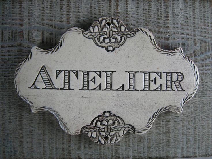 Grande plaque de porte étiquette céramique Atelier beige : Accessoires de maison par rouge-petit-coeur-ceramique