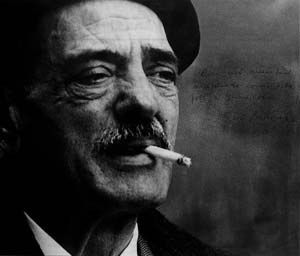 The surrealist manifesto in relation to the works of autuer Luis Buñuel