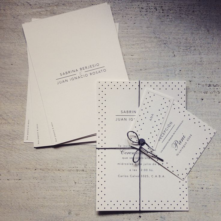 Clean black and white + Dots wedding invitation. no envelope!! tarjeta de casamiento blanca y negra + lunares by www.bowpaperie.com