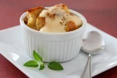 Bread Pudding – 2 Recipes  from 2 Wired 2 Tired  http://www.2wired2tired.com/bread-pudding