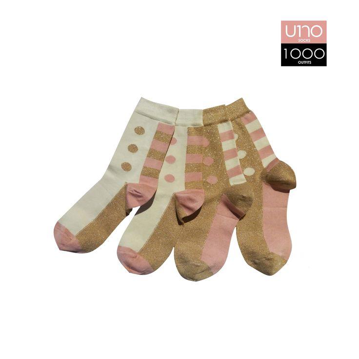 Set di 4 calze; caratterizzate da inserti a pois e strisce.  Altezza calza: Mezzo polpaccio  Composizione: 72% cotone 22% poliammide 4% poliestere 2% elastane  Colore: Beige - Panna - Rosa tenue  Stagione: Autunno\Inverno  Taglia Unica