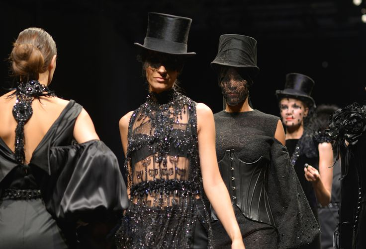 Bernard Depoorter Haute Couture Collection Amazone www.bernardepoorter.com info@bernarddepoorter.com #bernarddepoorter.com