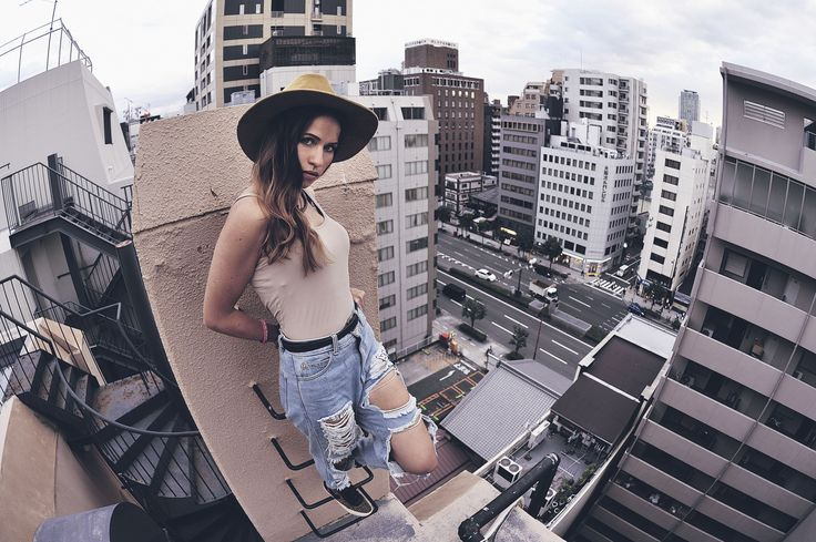 roof topping photography / rooftop / urban / city / street fashion
