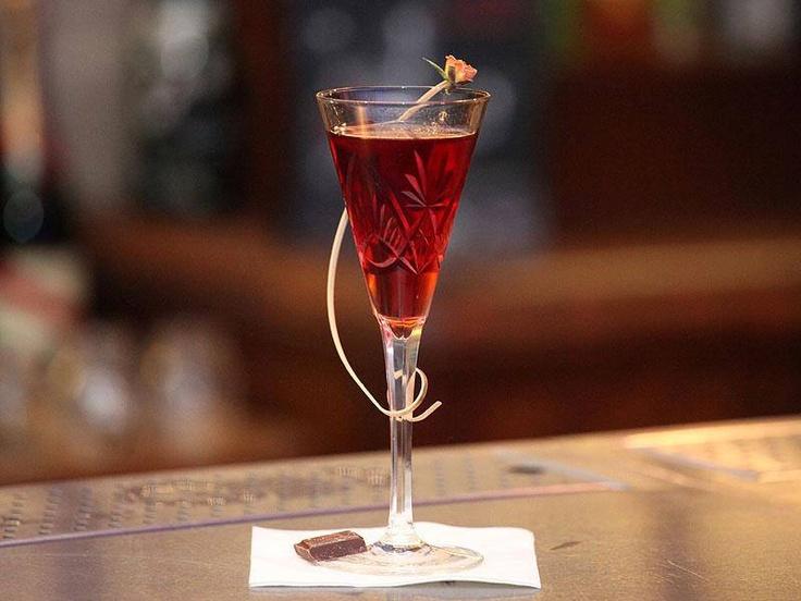 "Cocktail - QUEEN BAEATRIX get recipe on Fb fanpage - Trust me I'm a ""Bartender"""