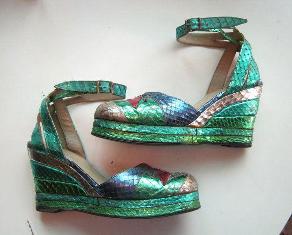 Be still my heart!!  1970s platform shoes de Havilland Glam Rock metallic by edgertor, $365.99