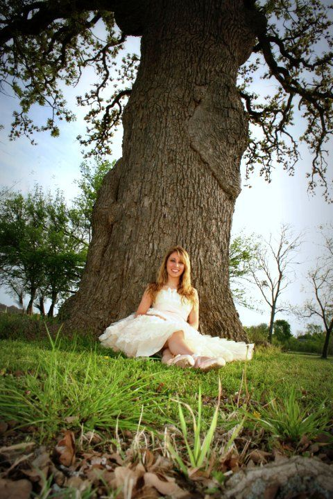 senior picture ideas for girls, ballet, country field, click the pic for more. North Texas photography