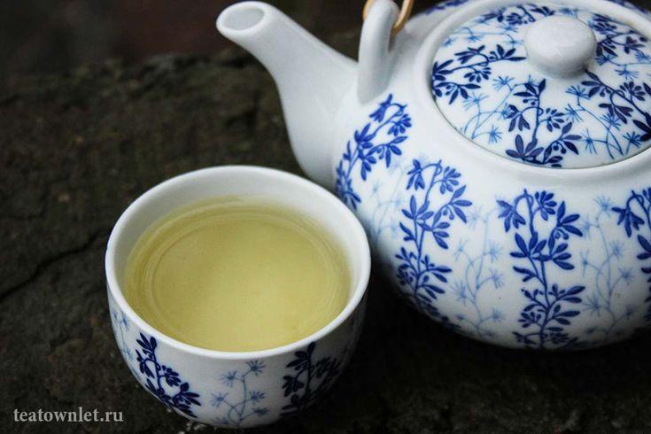 Зелёный чай с женьшенем - http://teatownlet.ru/vidchaya/zelenyiychay/zelyonyiy-chay-s-zhenshenem.html