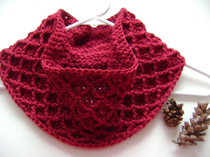 Free pattern: Diamond Crochet Cowl (multiple sizes)
