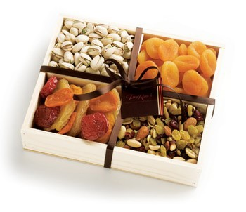 Want to impress an out of town distinguished guest? A gourmet treat like this Mendocino tray has a simple and appealing look, not to mention the gourmet food inside! This tray is overflowing with dried fruits and nuts. A perfect welcome, or goodbye gift for that VIP.  ☛ Includes: Turkish apricots, Berry Blossom Trail Mix, pistachios & fanciful mixed fruit with ruby red plums