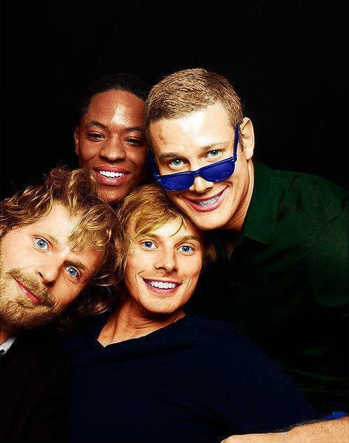 Arthur and knights #Merlin #funny | via https://www.facebook.com/photo.php?fbid=10152572266830223=a.383938805222.354492.383921005222=1_count=1=nf