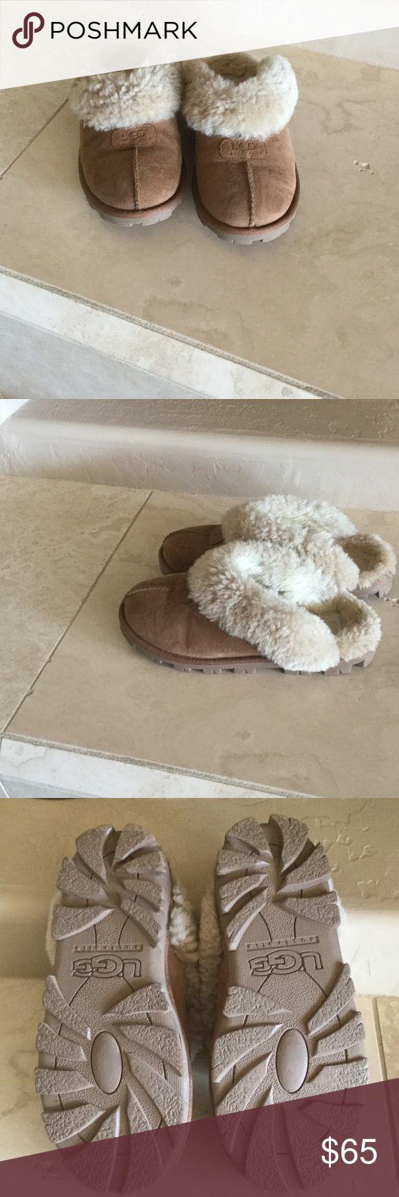 Ugg slippers Ugg slippers. Genuine shearling slipper. Color-Chestnut. UGG Shoes Slippers