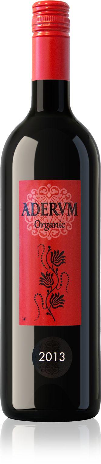 <p>De biologische Tempranillo druiven zijn net als de witte varianten afkomstig van jonge wijnstokken. De kleur is intens, dieprood en de royale geur is verfijnd met tonen van zongerijpt fruit en een vleugje mineralen. De smaak is rijk en rond met een goede structuur en een goede afdronk. Perfecte apéritiefwijn, ook goed bij vleesgerechten, pasta's en soepen.</p>