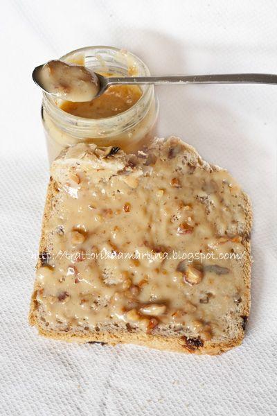 Confettura di latte alle mandorle tostate