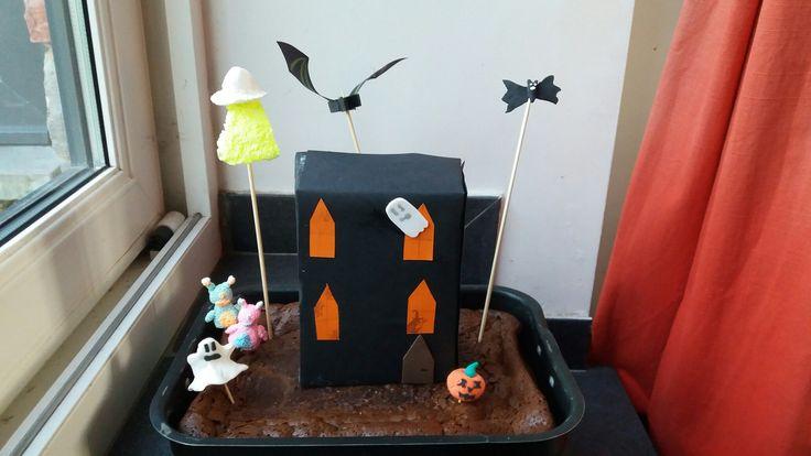 Gâteau maison hantée et extraterrestre