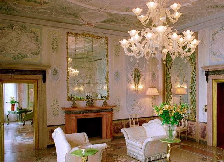 The spectacular sitting rooms of the Bauer Il Palazzo hotel, Venice, Italy. http://www.kiwicollection.com/hotel-detail/bauer-il-palazzo
