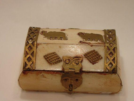 Trinket Elephants Box hand carved bone and by myitaliandreams