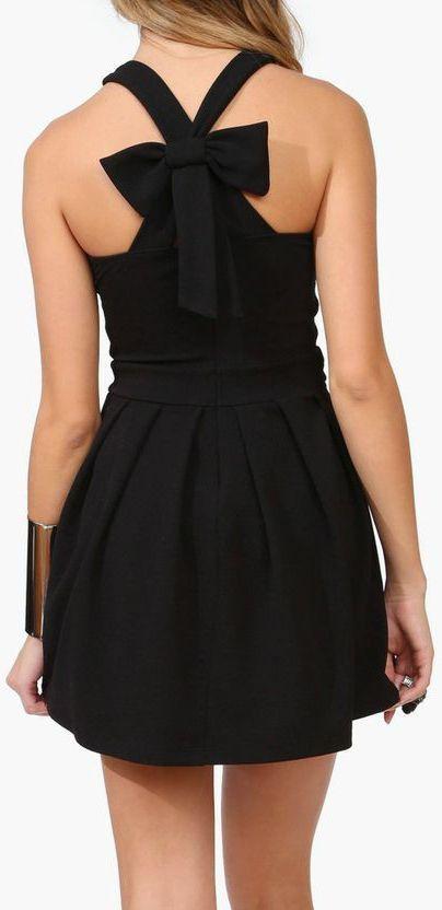Bow Back Dress ♥ #lbd
